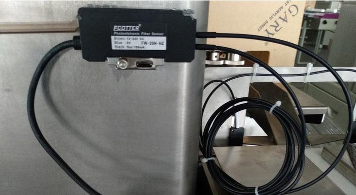 包装机光纤感应